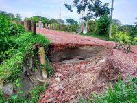মুন্সীগঞ্জের বালুচর সড়ক এখন মরন ফাঁদ